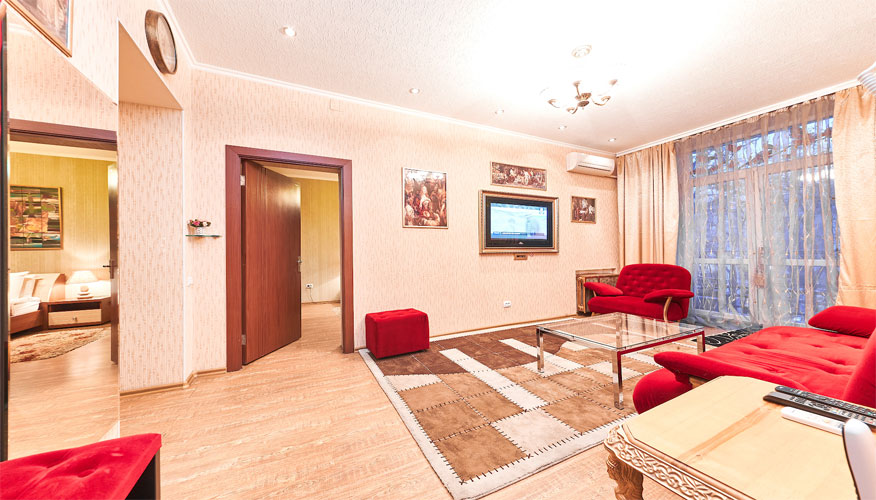 LUXURY 3 ROOM APARTMENT IN CHISINAU
